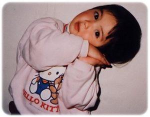 佐々木希の子供時代の写真から息子の顔を予想!