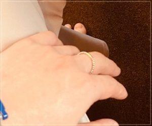 佐藤健が中指の指輪の意味
