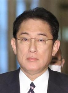岸田文雄の肌を他政治家と比較